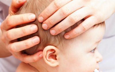 Déformation de la tête chez le nourrisson (plagiocéphalie positionnelle postérieure): prise en charge et traitement en ostéopathie